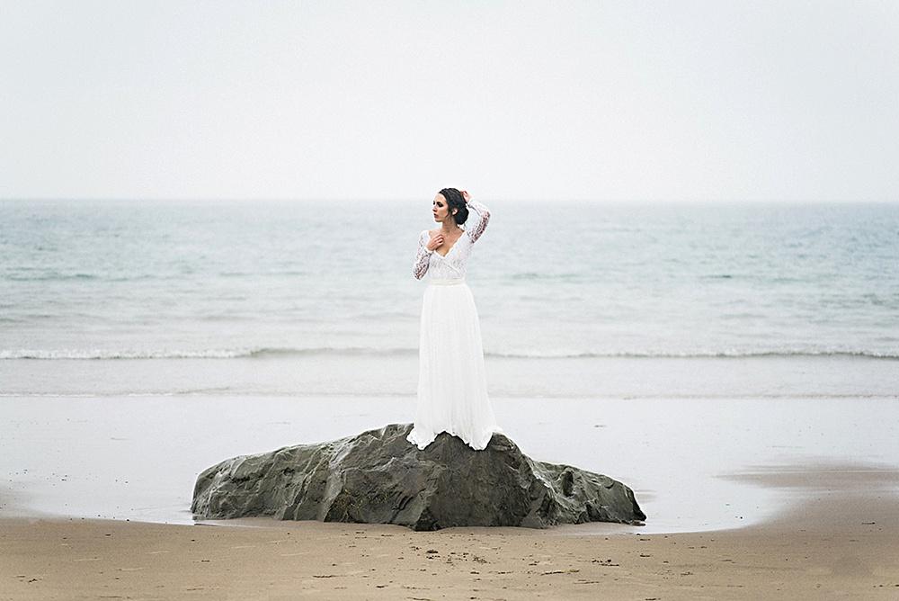 Windswept-Coastal-Bridal-Shoot-Beach-Inspiration013.jpg
