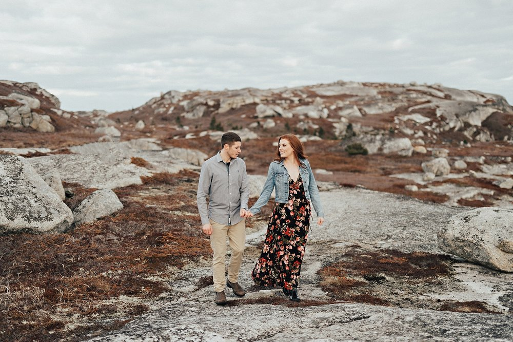 Halifax-Wedding-Photographer_Annie&Ryan_Ocean-Engagement-Shoot_25.jpg
