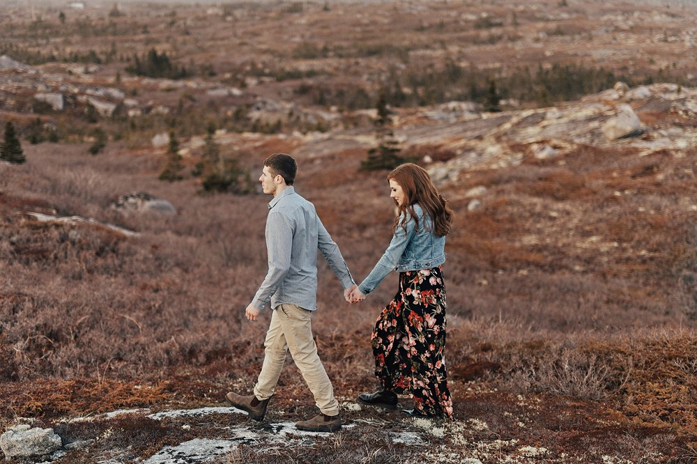 Halifax-Wedding-Photographer_Annie&Ryan_Ocean-Engagement-Shoot_27.jpg