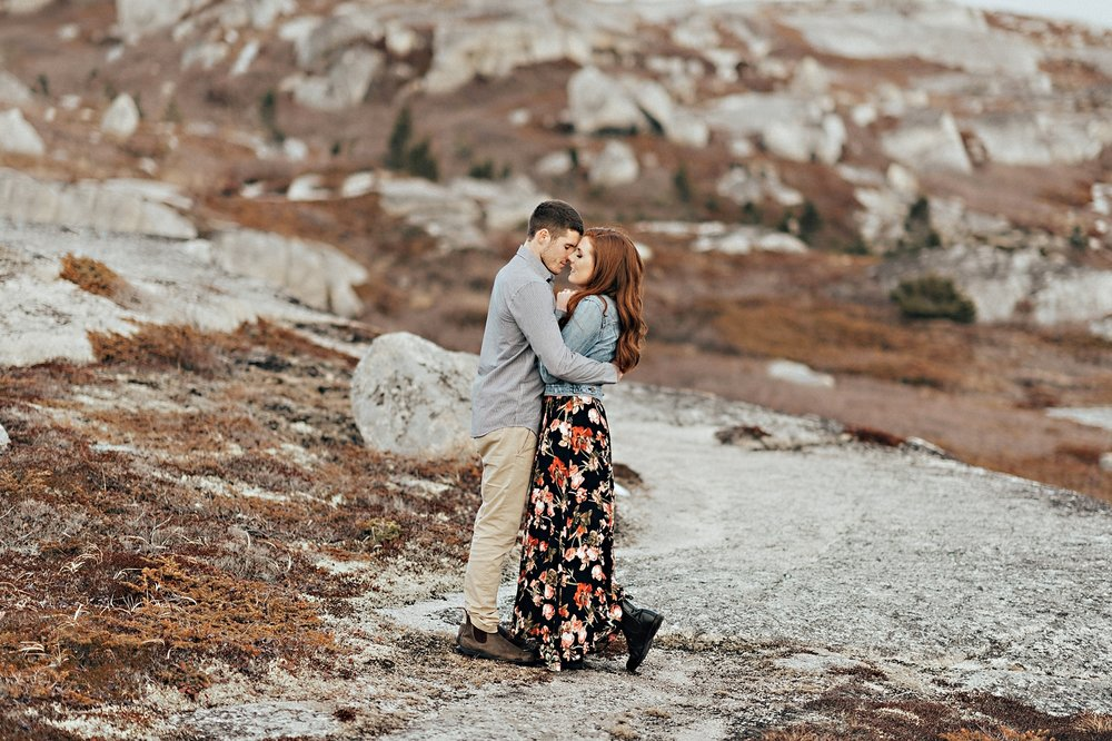 Halifax-Wedding-Photographer_Annie&Ryan_Ocean-Engagement-Shoot_36.jpg