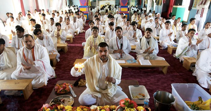 Sanskrit pandits train in reciting Sanskrit texts from childhood, for seven years.