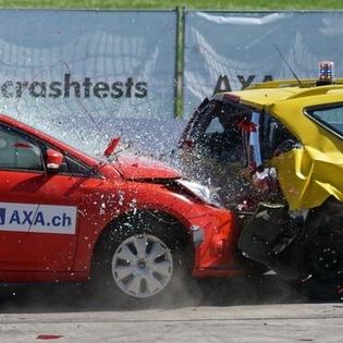 crash-test-collision-60-km-h-distraction-163016.jpg