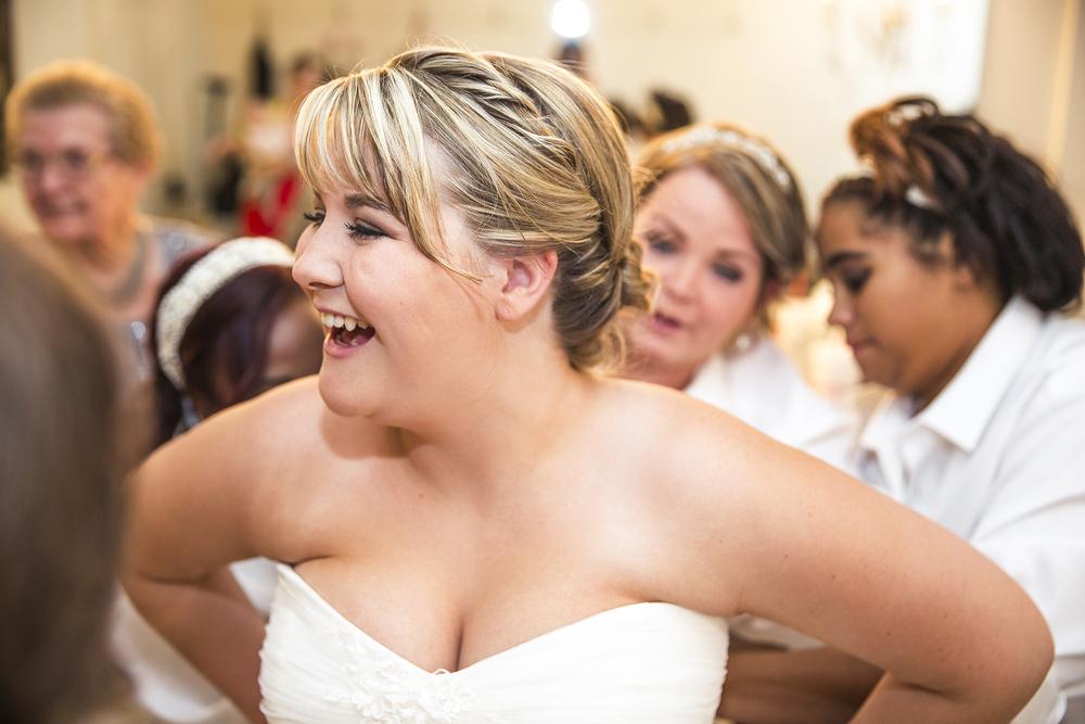 Wedding Dress, Getting ready, Bridesmaids, Walnut Tree Weddings
