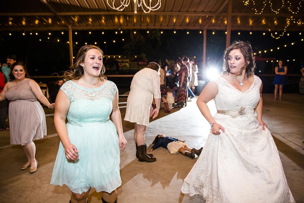 Lubbock Wedding Photography Wedding Photographer Walnut Tree Dancing Sisters