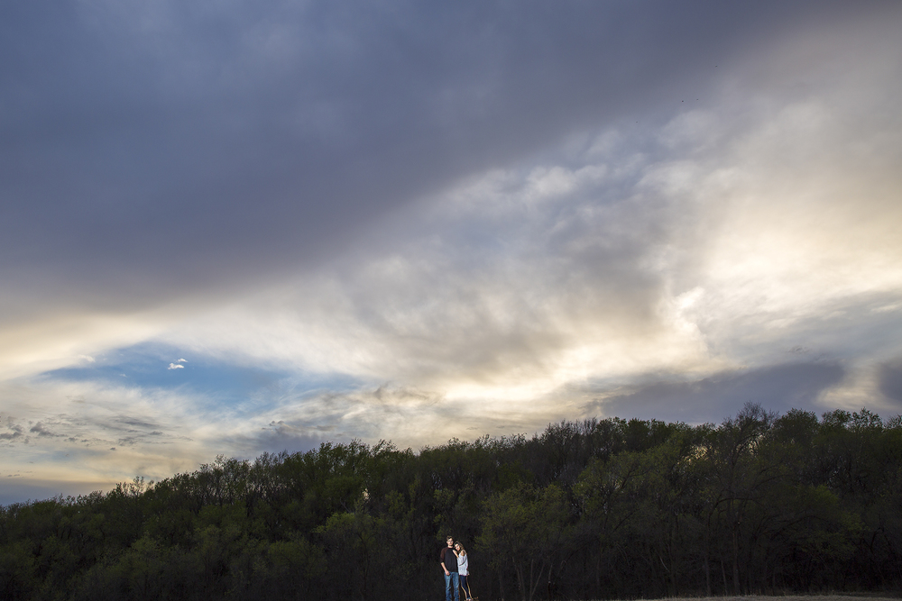 big texas sky, hard light, clouds, dramatic, edgy, wedding photography
