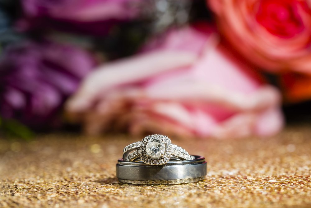 wedding rings, wedding details, flowers, sparkly things, macro photography