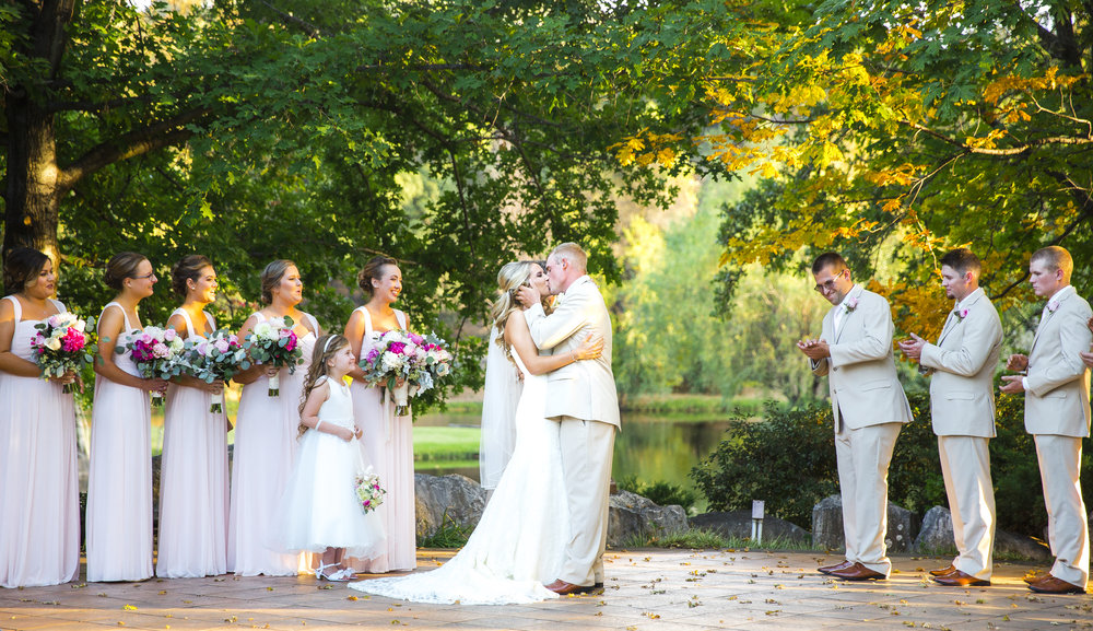 california wedding, lubbock wedding photographers, ironstone vineyards, first kiss, bride and groom, wedding ceremony