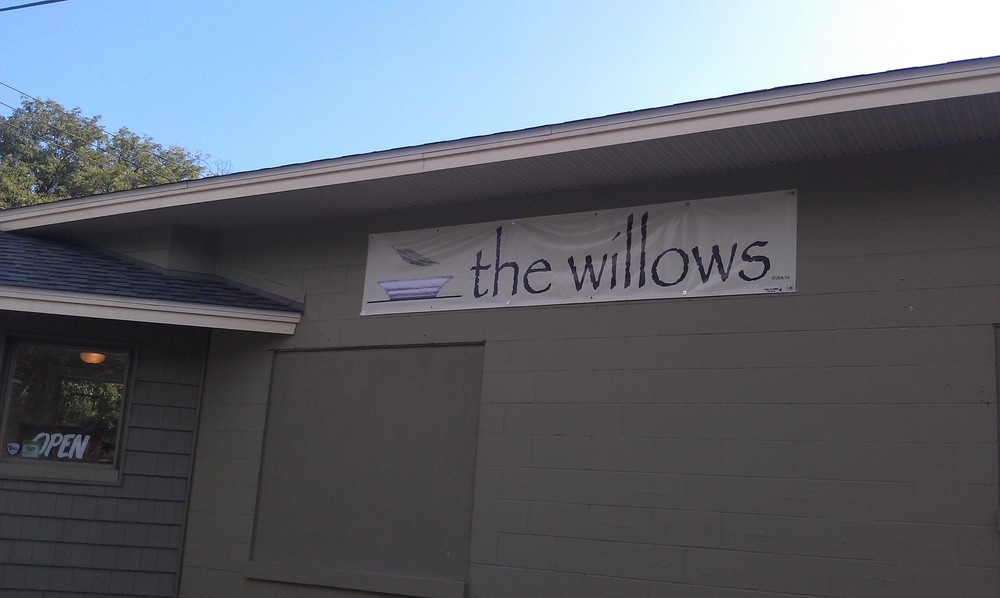 WILLOWS SIDE BANNER.jpg