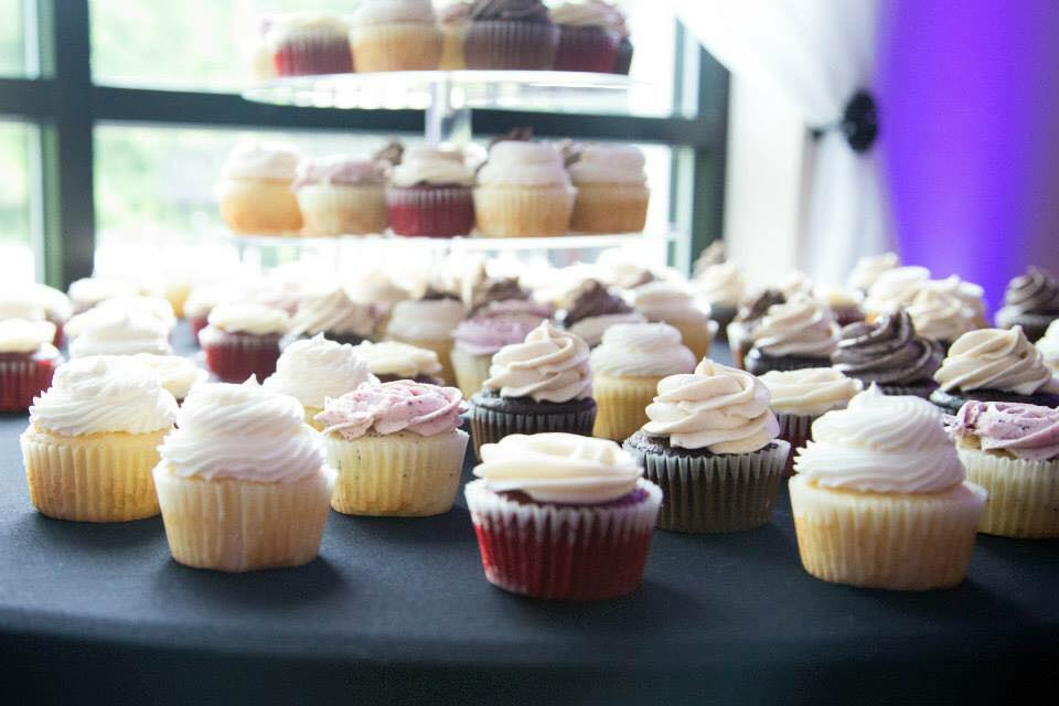 Copy of wedding cupcakes