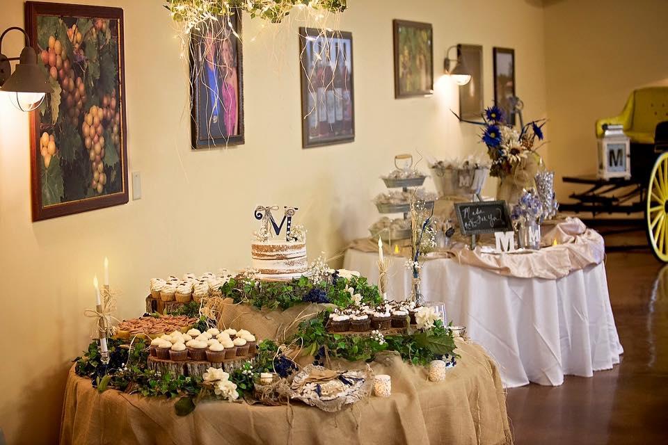 rustic wedding cake cupcakes