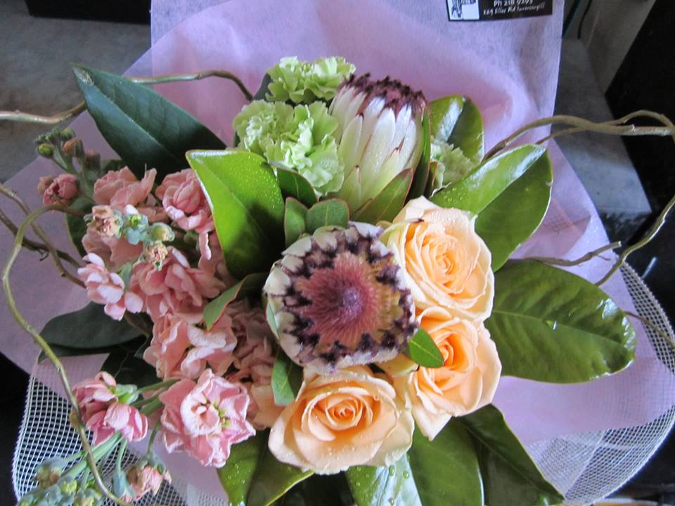 bouquets invercargill florist tudor house of flowers