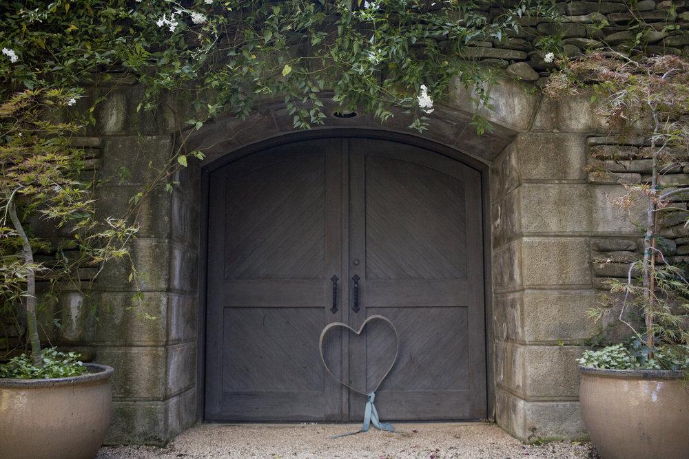 entrance-to-winery-on-romantic-napa-wine-tour