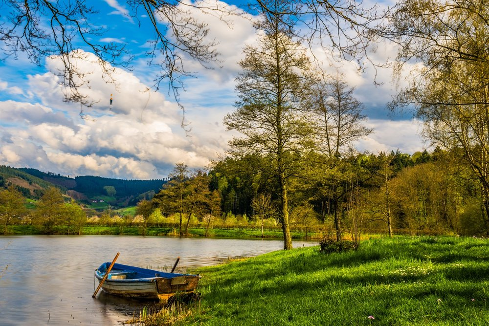 boat-1620452_1920.jpg
