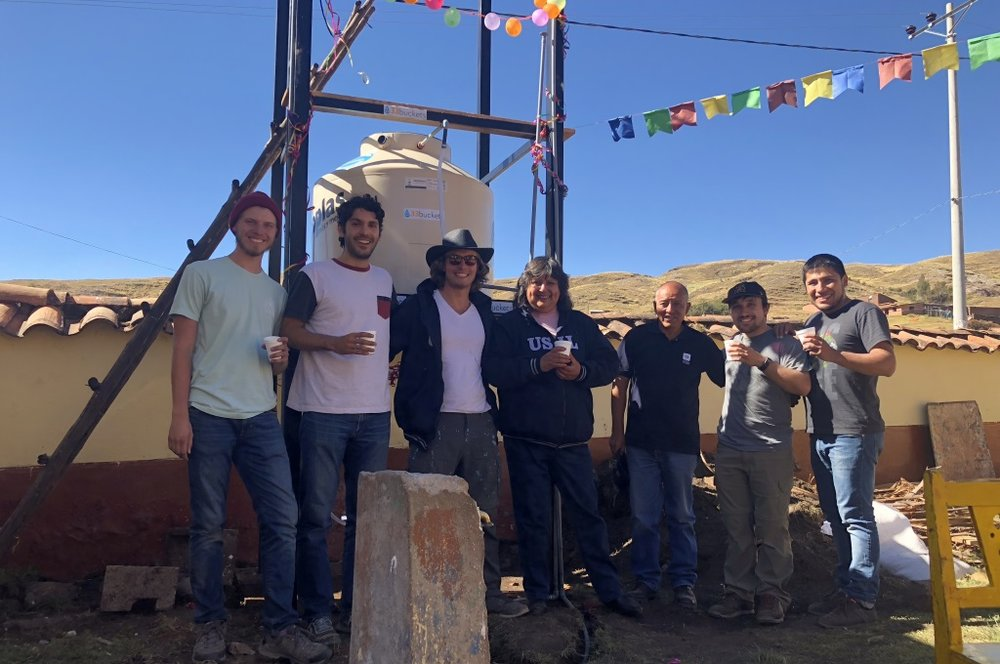 In June 2018, we celebrated the completion of a water system with our partners from the Universidad San Ignacio de Loyola (USIL) in Cusco. In this community, called Occopata, over 1,000 people have clean water for the first time!