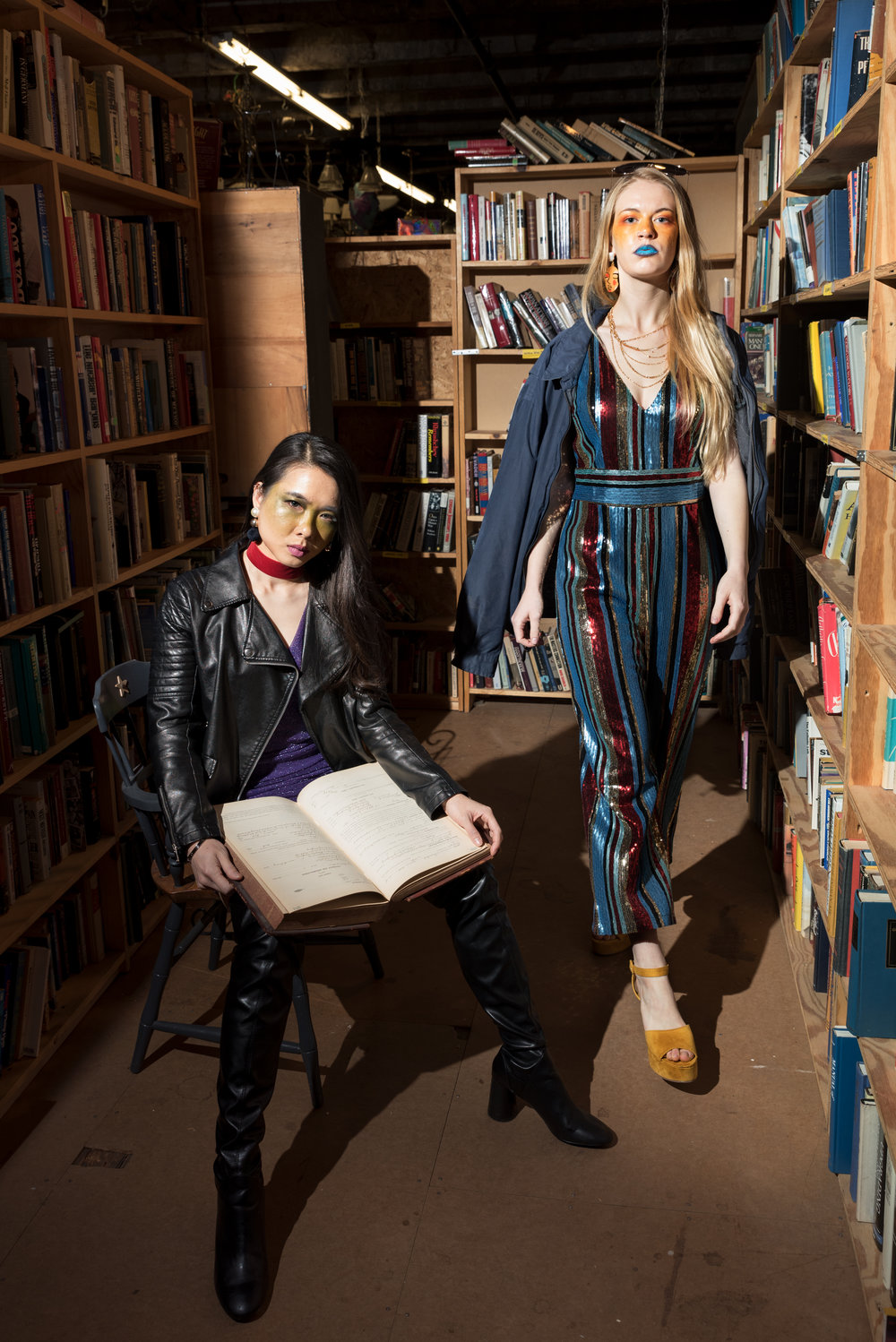 meng_and_lizzy_in_book_nook_3.jpg