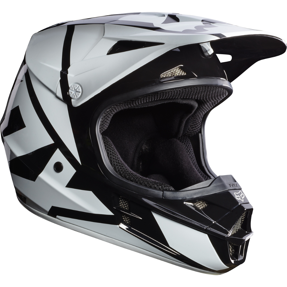The Fox V1 MX Helmet features an injected molded polycarbonate shell construction. This proven design provides dependable protection from debris and falls. Optimal airflow, a plush liner, and an exceptional fit contribute to the helmets phenomenal comfort.