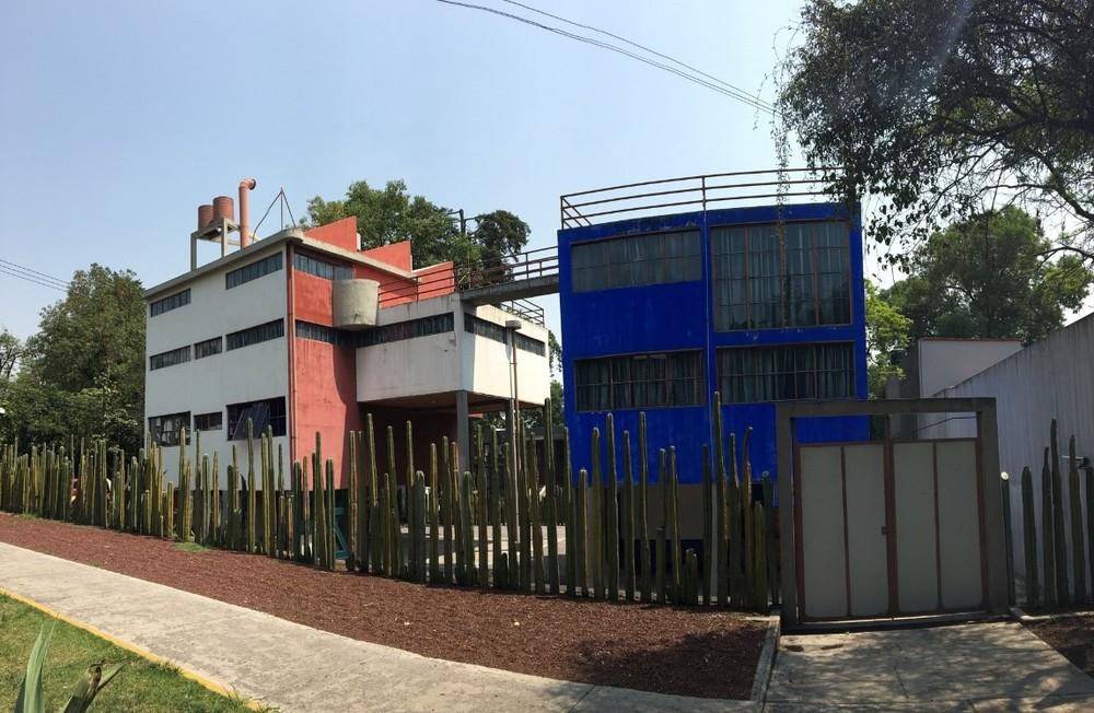 After going to Casa Azul, went to the studio/house that Diego and Frida had designed by Juan O'Gorman.
