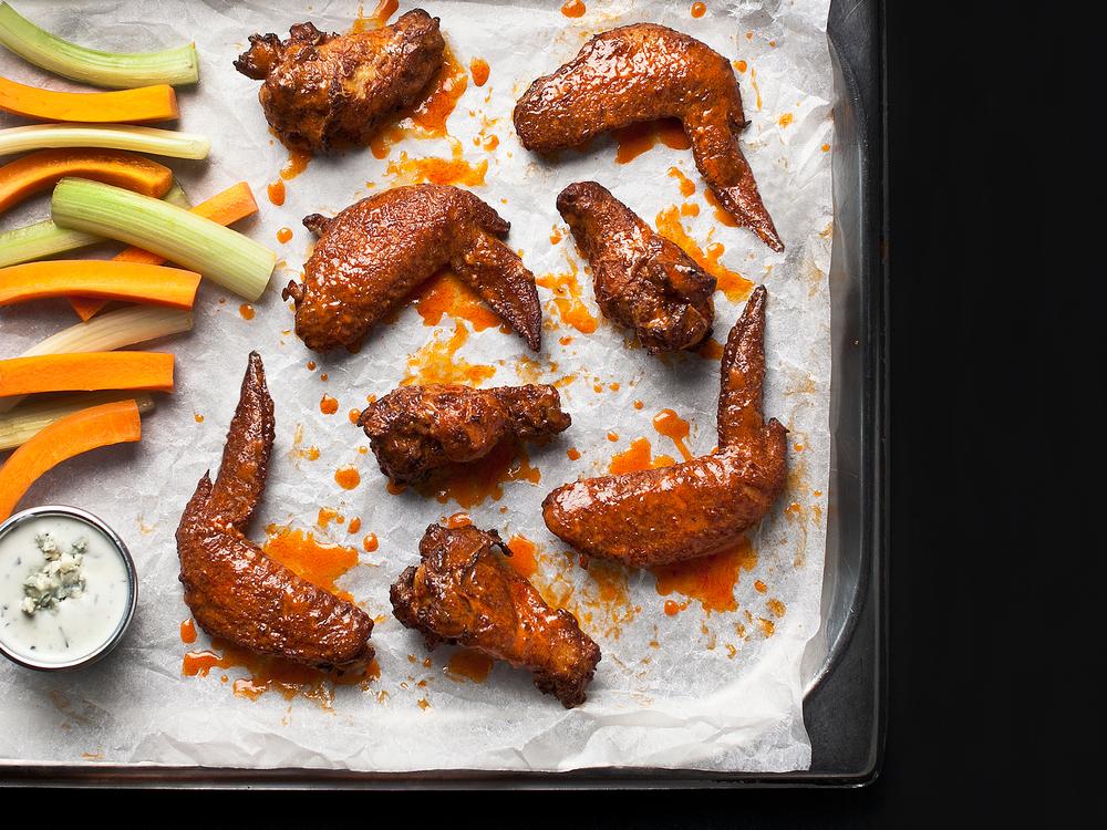 OE_Food_Spicy_Buffalo_Wings.jpg