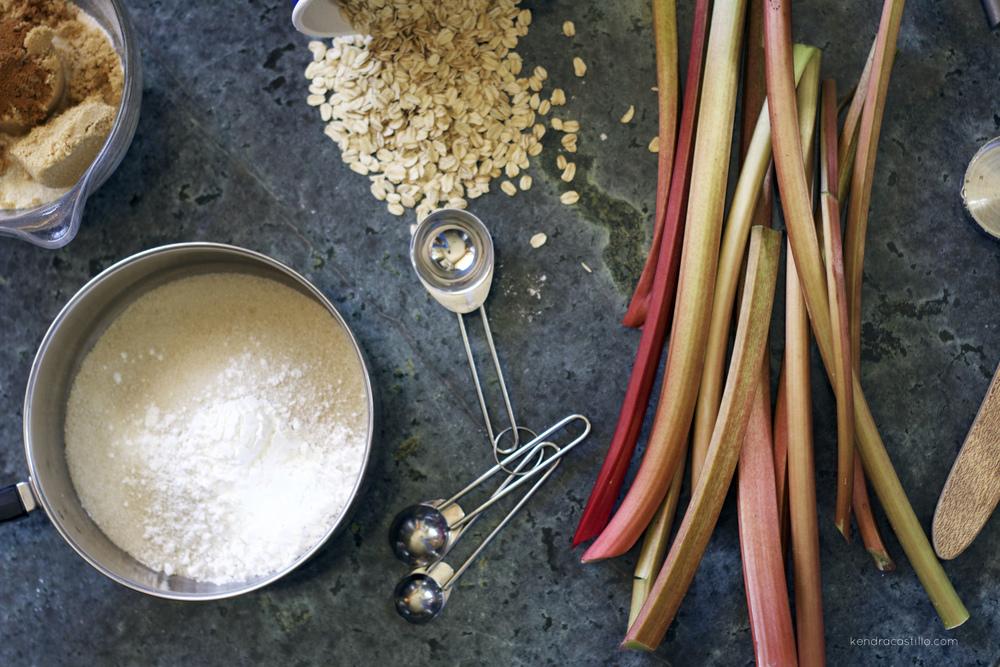 Kendra Castillo: Homemade Rhubarb Crunch Recipe