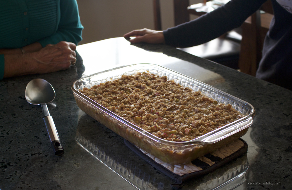 Kendra Castillo: Homemade Rhubarb Crunch Recipe
