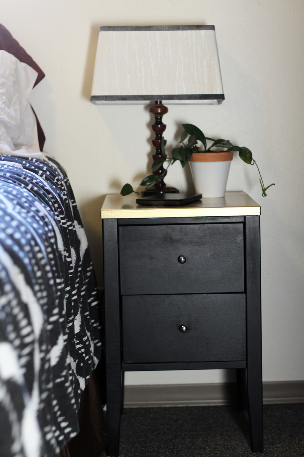 Kendra Castillo: DIY gold side table