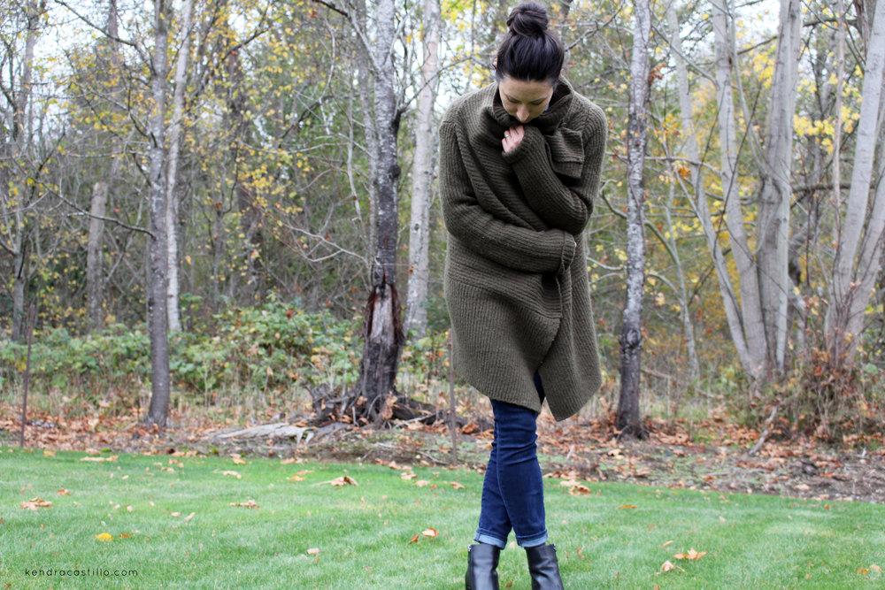 Oversized sweaters & skinny jeans | Kendra Castillo