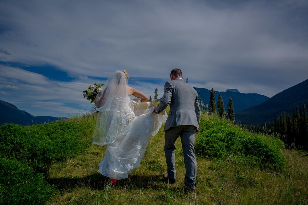 Silvertip Resort Wedding | Canmore Wedding Planner | Calgary Wedding Planner | Kelly Redinger | JoyFoley Weddings | Stacey Foley | www.joyfoleyweddings.com