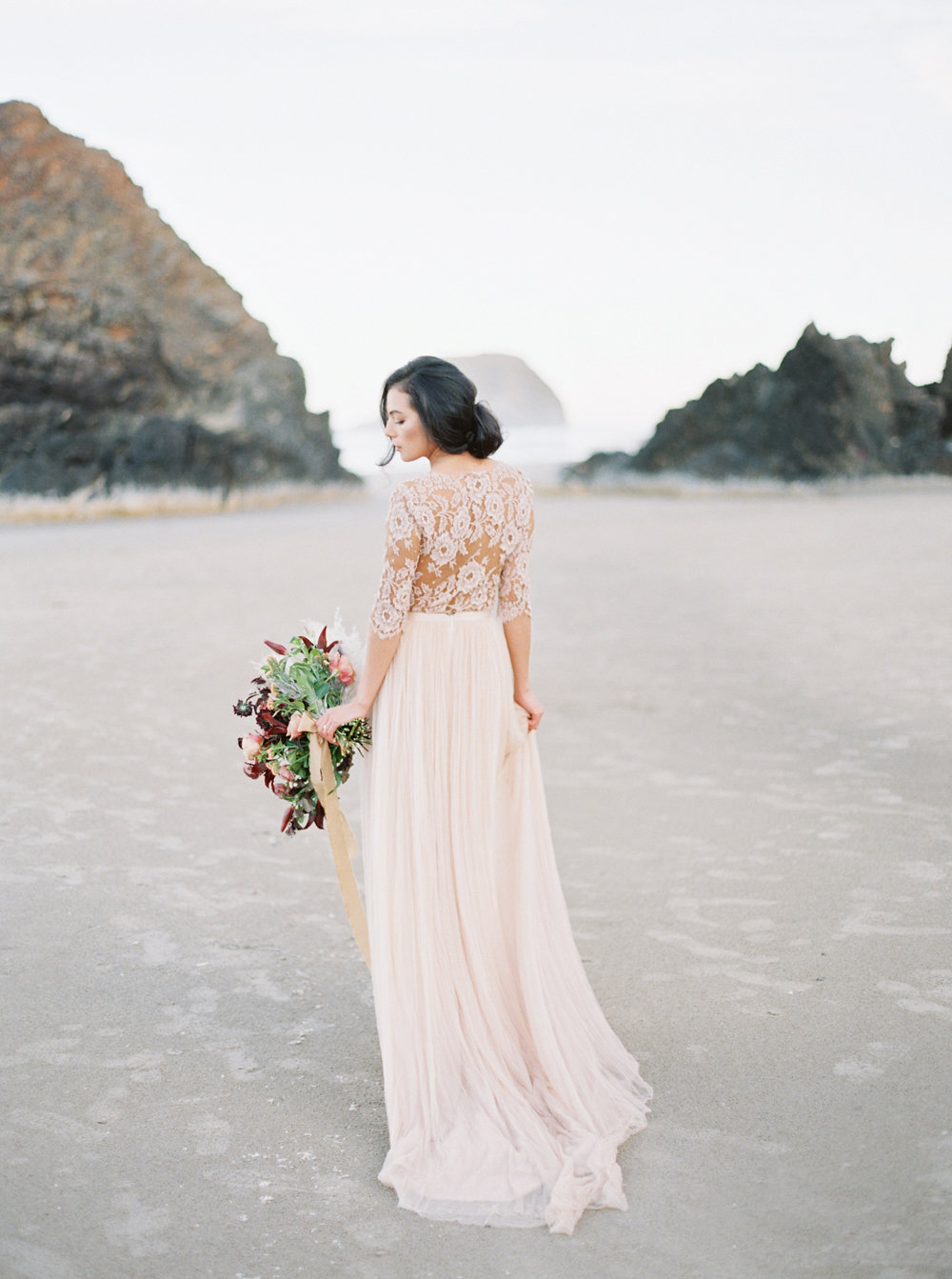 Oregon Coast Wedding | Oregon Wedding | Oregon Wedding Planner | Workshop Design | Workshop Designer | Katie Nicolle Photography | Stacey Foley Design