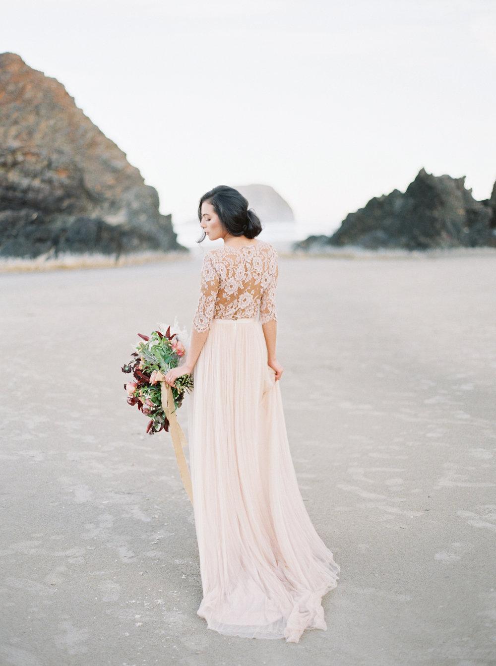 Oregon Coast Wedding | Oregon Wedding | Oregon Wedding Planner | Workshop Design | Workshop Designer | Katie Nicolle Photography | Stacey Foley Design