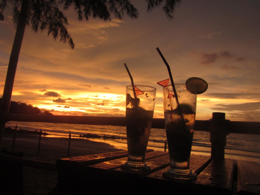travel_thailand_sunsetcocktails