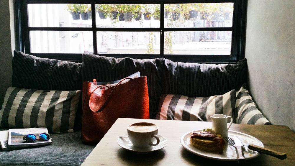 soi55_lifestyle_travel_blog_bangkok_coffee_shop_hangouts_casalapin3