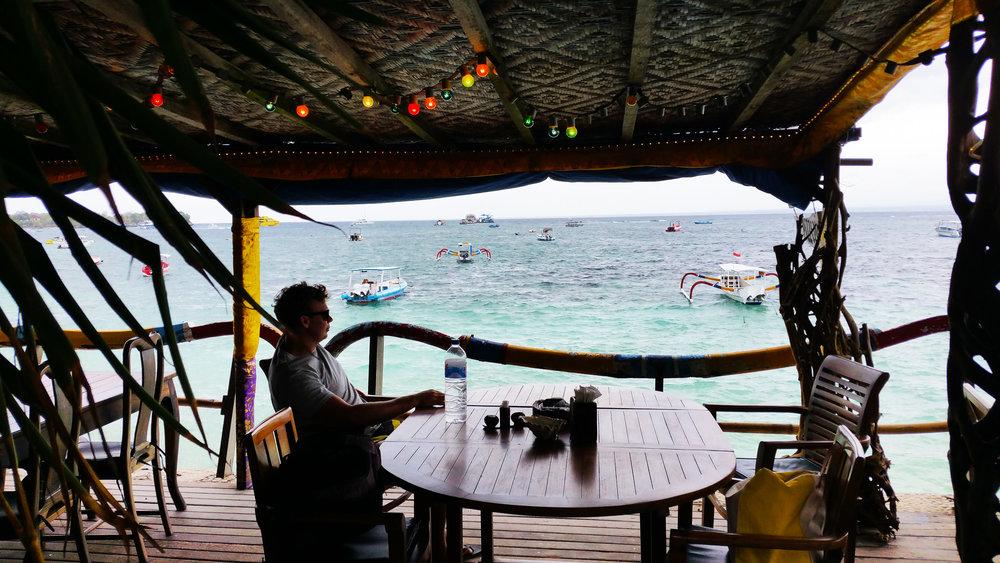 Bunga, Nusa Lembongan, Indonesia | Soi 55 Travels