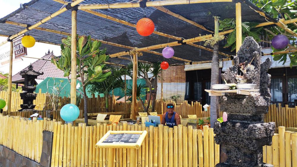 Kenya Coffee, Nusa Lembongan, Indonesia | Soi 55 Travels