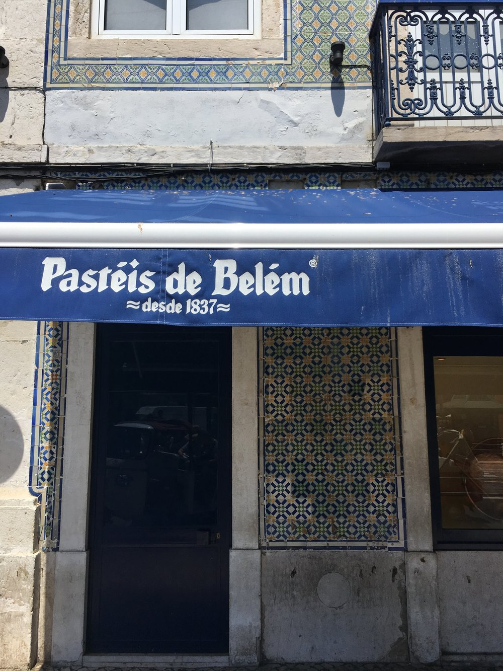 Pastéis De Belém / Lisbon eats + drinks travel guide | Soi 55 Travels
