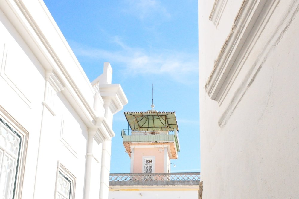 Millennial pink building | A  day in Tavira  | Algarve, Portugal | Soi 55 Travels