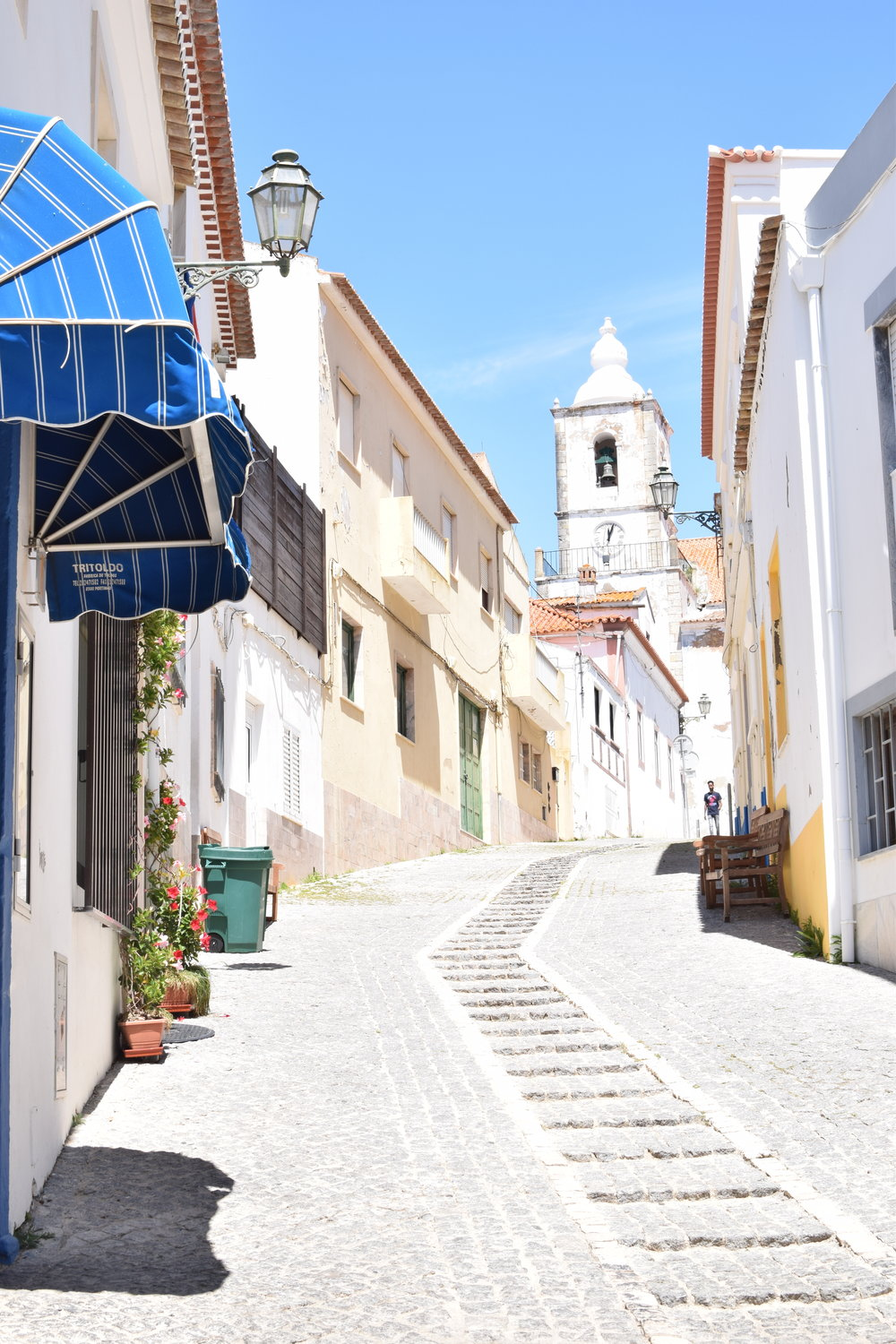Finding colour inspiration in Lagos, Portugal | Soi 55 Travels