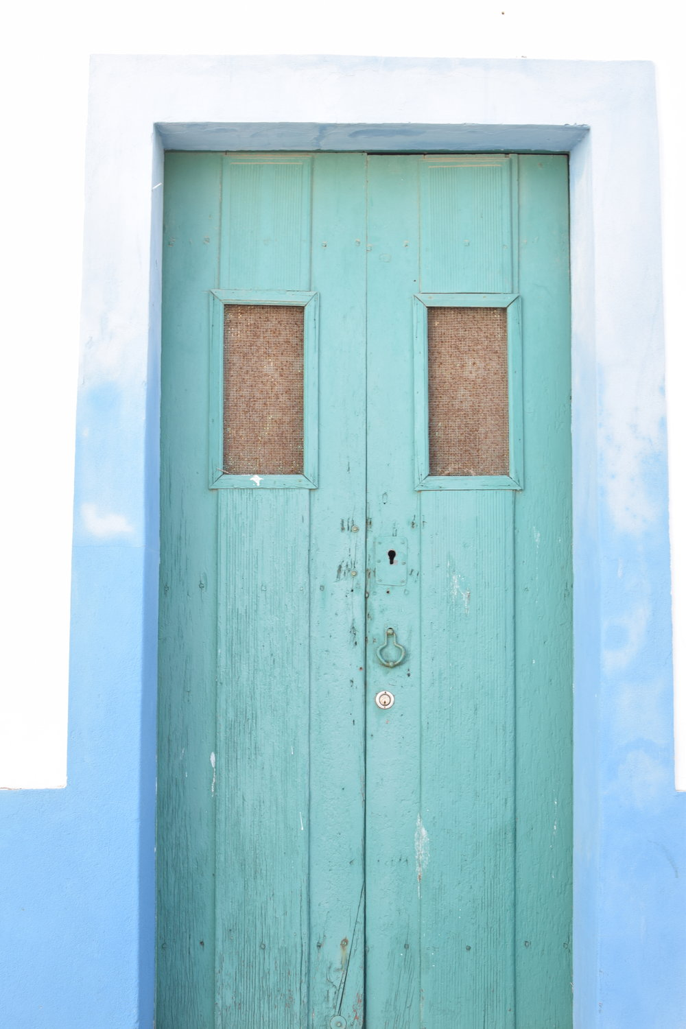 Tie dye walls, turquoise door  | Finding colour inspiration in Lagos, Portugal | Soi 55 Travels8.JPG