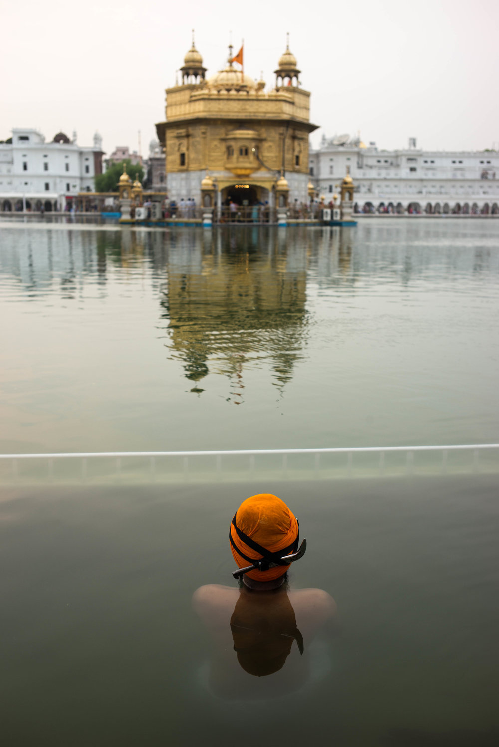The Sikhs, Pilgrims of the Golden Temple