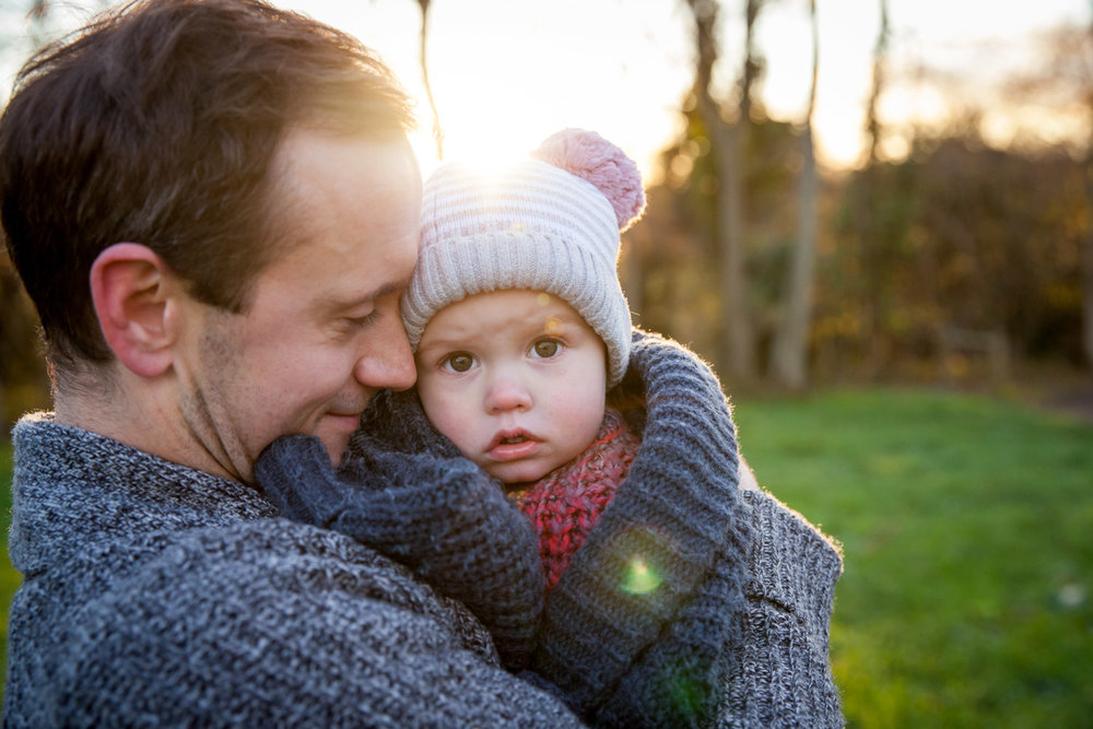 asa-bell-photography-family-photos-dad-cuddles.jpg