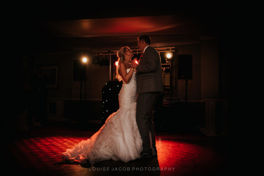 CHeshire-uk-unposed-documentary-award-winning-wedding-photography