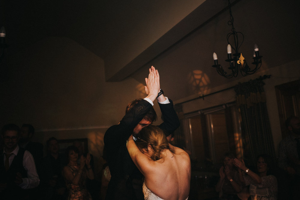 Cheshire wedding photographer - First dance