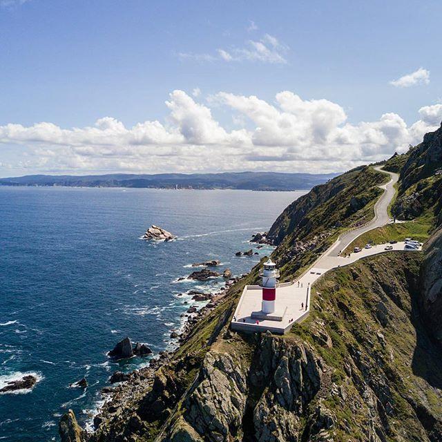 📷Faro de Cabo Ortegal 📷Cape Ortegal Lighthouse  #drone #dronephotography #aerialphotography #dji #dronelife #elcuervoblanco #instadrone #galicia #galifornia #landscape
