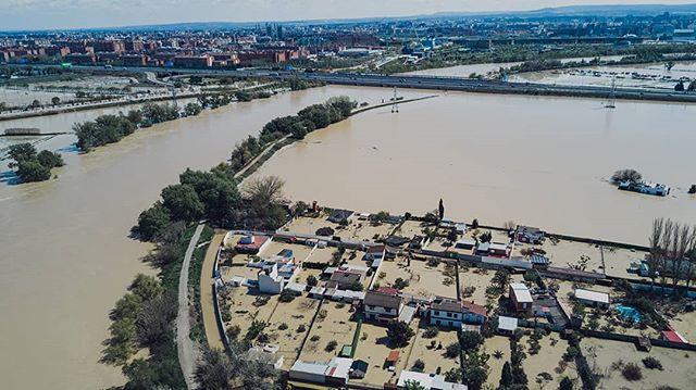 Río Ebro 🌊 / Ebro River 🌊 . . . . . #ecb #drone #elcuervoblanco #instadrone #river #rio #ebro #water #dji #dronestagram #dronepilot #outdoors #aerialphography #nature #aragon #spain #inundaciones #flood