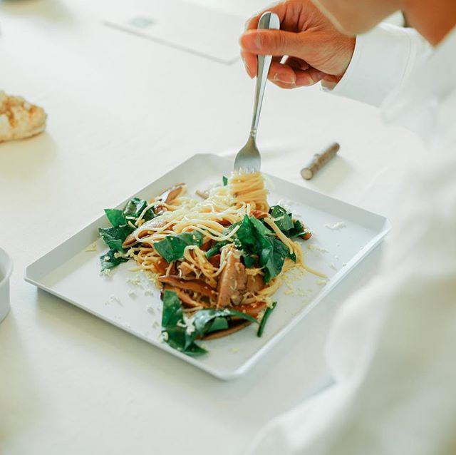 名古屋会場での展示会は最終日。プレオープンズさんの大台町産の椎茸と燻製チーズのパスタなど、カフェも楽しんで頂けます。お待ちしております。  @preopen.s  #大台町