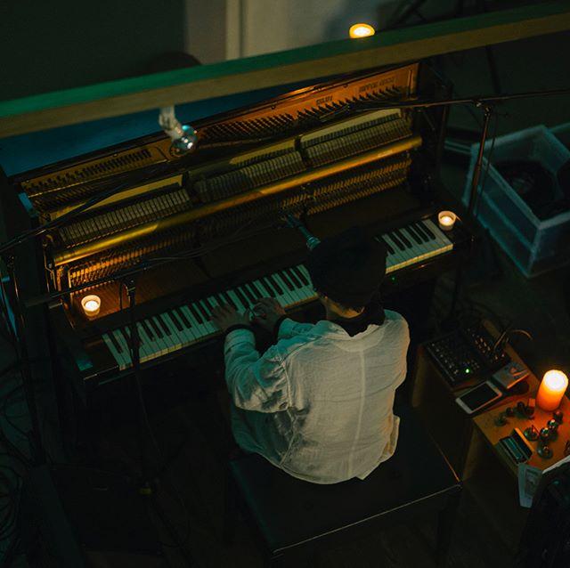 大台町のコンセプト映像の音楽を担当した音楽家 haruka nakamuraさんと、大台町の映像インスタレーションライブを開催致しました。プロジェクトにとっても、大台町の方々にとっても、忘れられない素晴らしい一夜になりました。とても多くの方に集まって頂きまして、皆さんとお時間を共有できたことをとても嬉しく感じております。また、素晴らしい料理と空間でもてなして頂いたカルティベイトさん、いつも素晴らしいパフォーマンスで感動させてくれるharuka nakamuraさん、night cruisingさんに改めて感謝しております。また、次につながるように活動してまいります。 カルティベイトさんでの展示販売会は、今週の日曜日までです。ぜひお立ち寄りください。