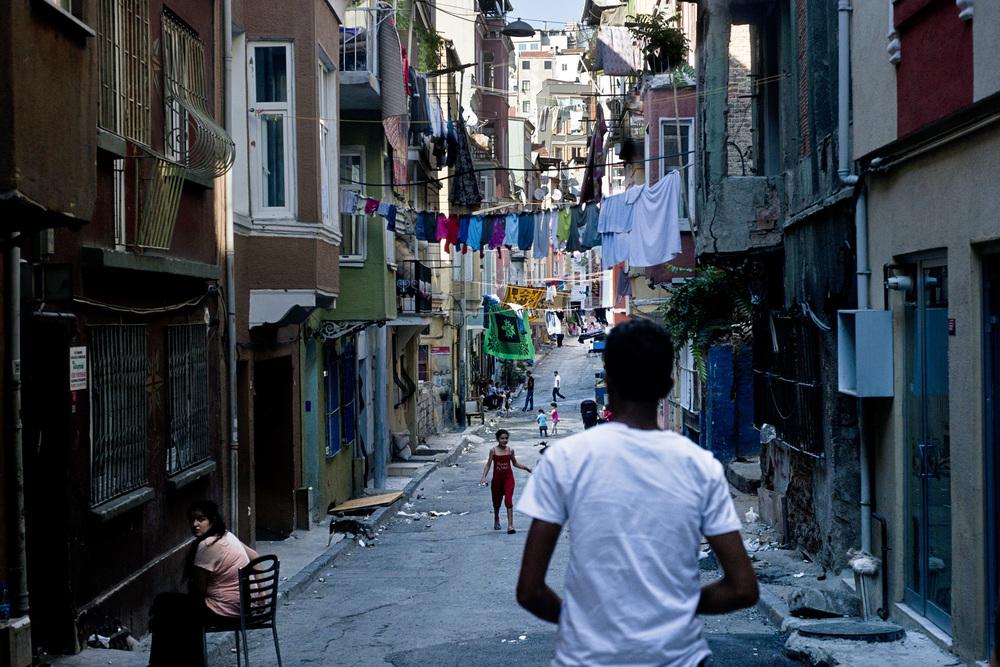 Istanbul, juillett 2013,Le quartier de Tarlabasi est un des quartier historique du centre ville. Il jouxte la place Taksim et nécessiterait une véritable réhabilitation afin que sa population puisse y vivre dans de manière décente.
