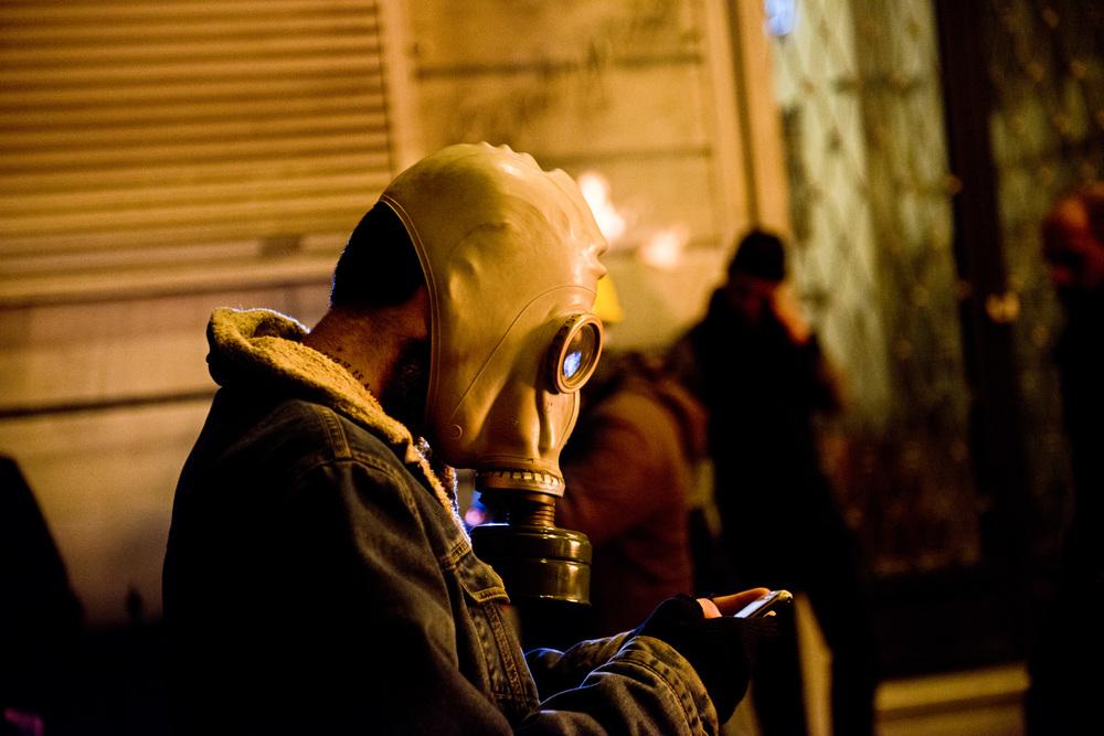 Istanbul, mars 2014La Turquie est le deuxième pays derrière les états unis en nombre d'utilisateurs de Twitter. Les réseaux sociaux ont été un véritable outils d'information et de constestation durant les évènements de Gezi.  Ils restent aujourd'hui un formidable vecteur de mobilisation qui fait peur au gouvernement. En mars 2014, sur ordre du Premier ministre, l'accès à Twitter et YouTube a été coupé.