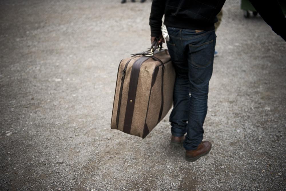 Chaque jour ou presque, de nouveaux migrants arrivent. Comme les autres, il vont tenter de passer en Angleterre, attendre dans la «jungle» ou dans les squats le moment le plus propice, pour déjouer la vigilance policière. Malgré un dispositif de sécurité renforcé,  des migrants parviennent régulièrement à rejoindre l'Angleterre.
