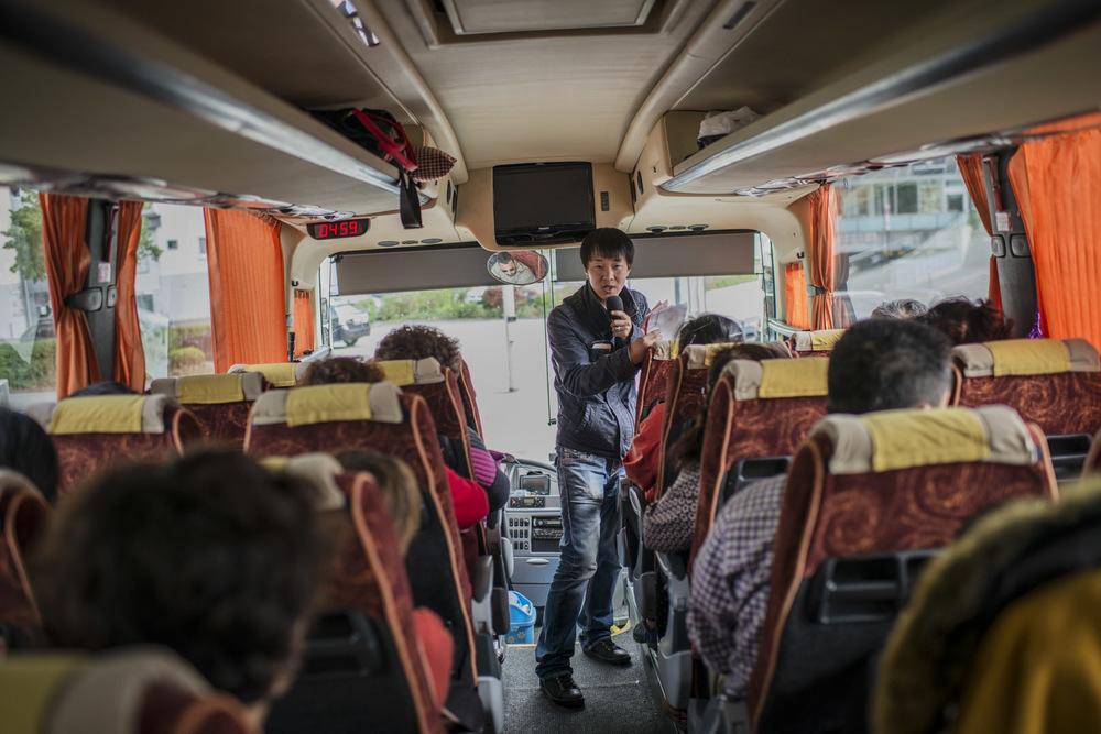 Avant chaque descente du car, Li Yan informe le groupe du temps qu'il dispose pour la visite. Chaque etape sont chronométrées.
