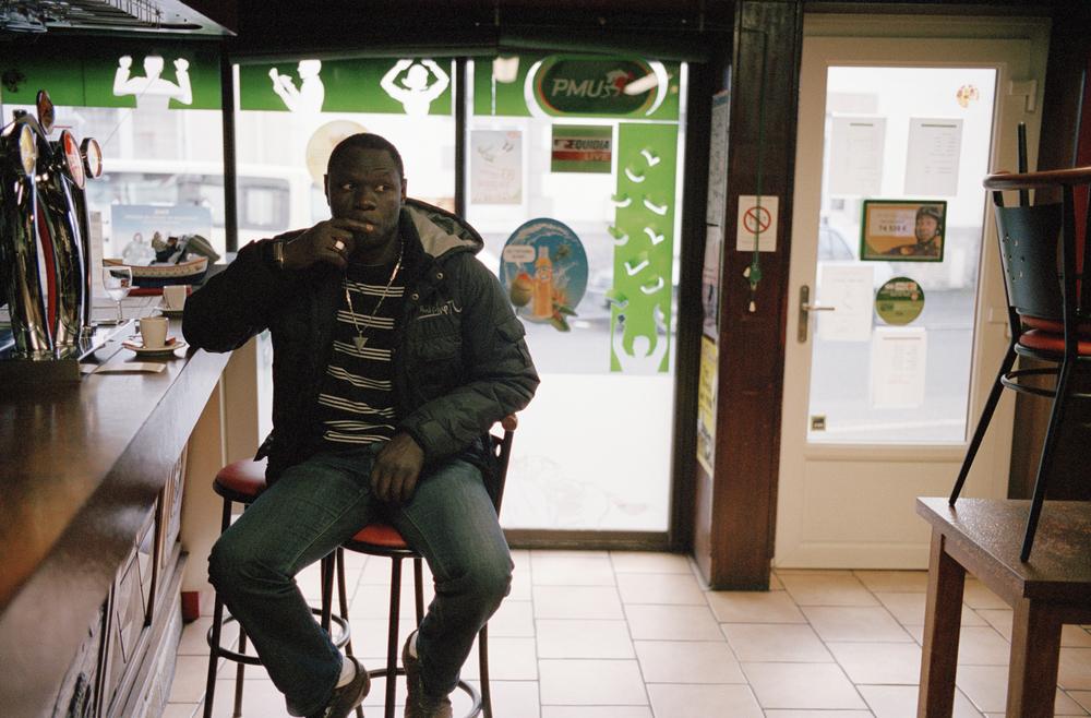En 2015, après avoir fait venir deux de ses fils aîné pour étudier, Babacar déménage à Lorient.